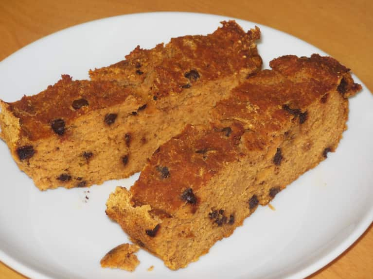Gluten-Free Pumpkin Spice Chocolate Chip Bread