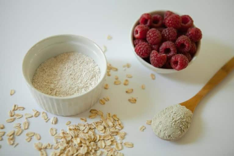Tone & Tighten Your Skin With This DIY Raspberry Facial Mask