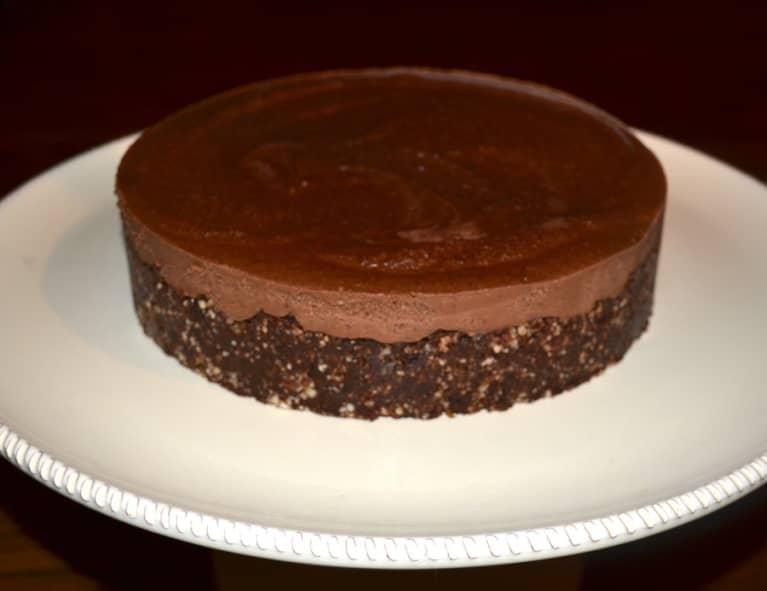 Vegan Recipe: Raw Chocolate-Hazelnut Cake