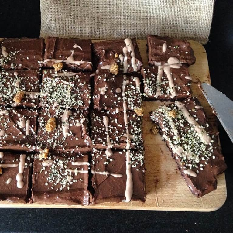 Easy Raw Vegan Walnut Chocolate Brownies