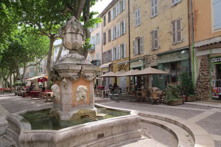 7 Health Lessons We Can All Learn From Provence, France