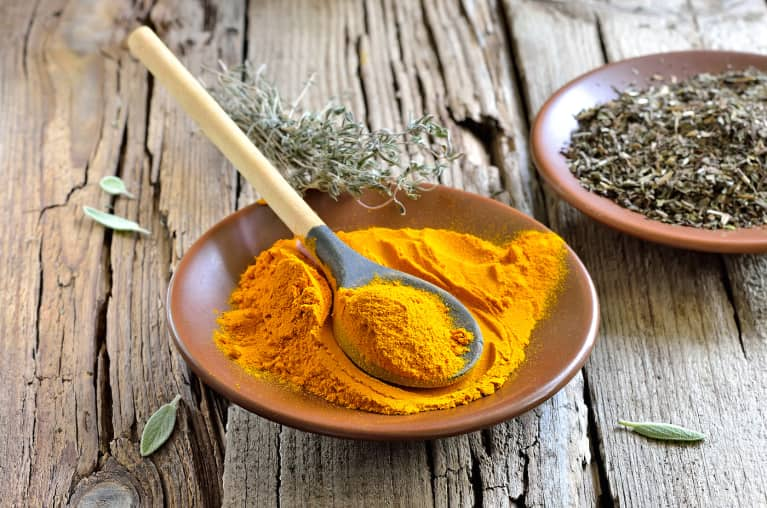 Get Glowing Skin With This DIY Turmeric Face Mask