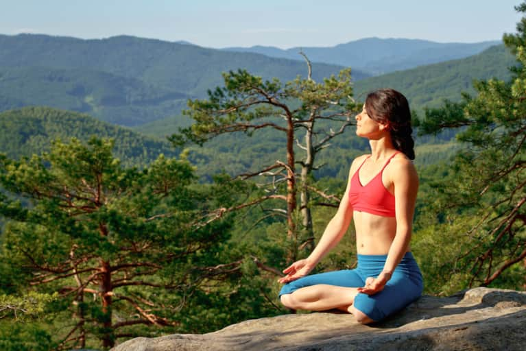 A Beginner's Guide To Ujjayi Breath (Video)