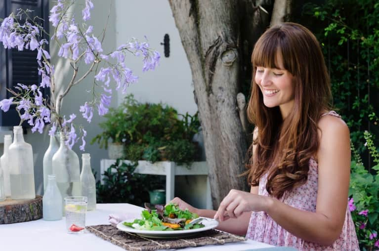 5 Ways Eating Mindfully Can Help You Lose Weight