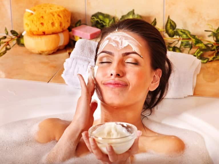 5 Natural Treatments To Give You Smooth & Youthful Skin