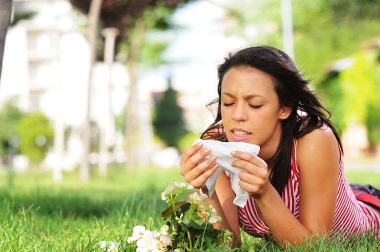 How To Deal With Your Allergies Naturally