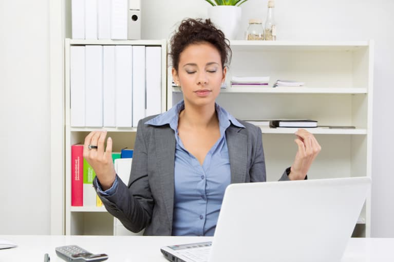 3 Ways To Keep Calm & Carry On When You're Pissed At Work