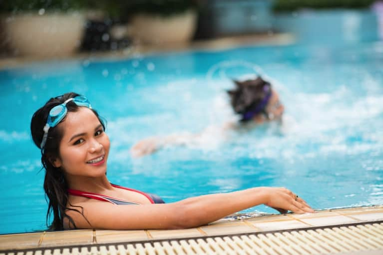 Going To The Pool? Tips To Avoid Toxins