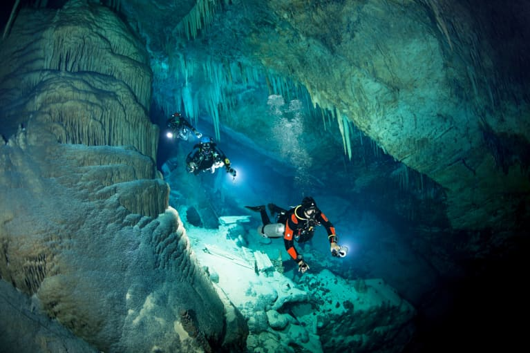 If These Mindful Tricks Can Keep A Cave Diver Calm, They're Worth Knowing