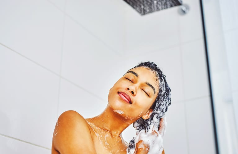 The 12 Best Natural Dandruff Shampoos That *Actually* Put In The Work