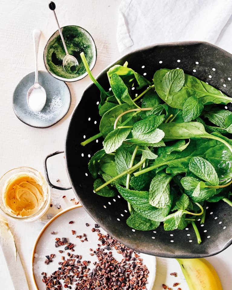 Overhead Photo of Mint Chocolate Smoothie Ingredients