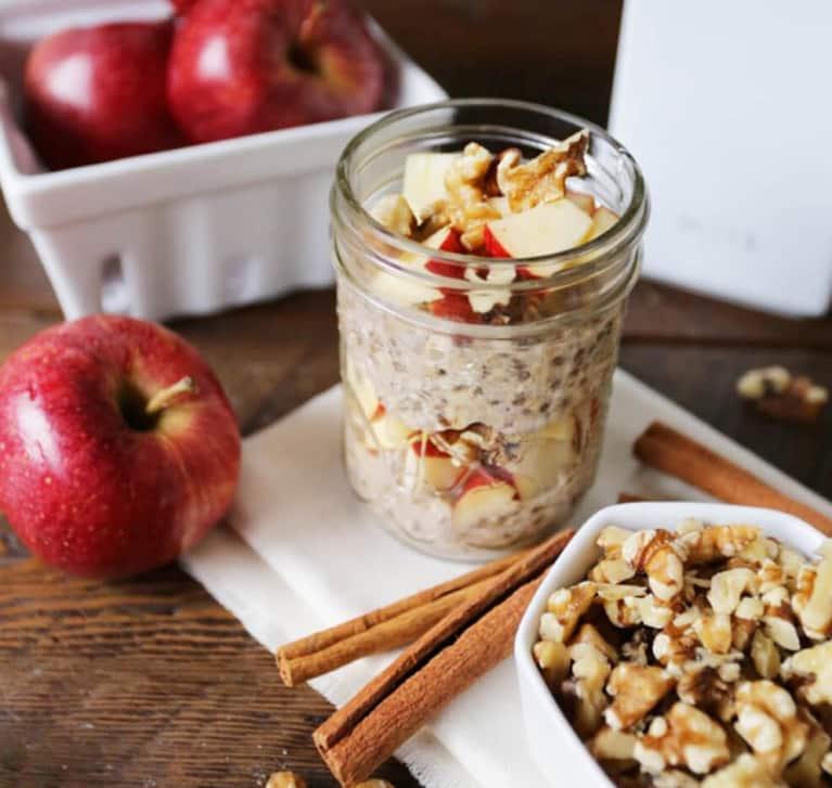 Breakfast Cravings: Apple Cinnamon Overnight Oats