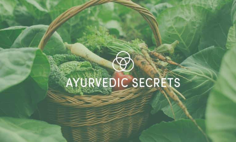 You May Want To Start Warming Your Salads, According To Ayurveda