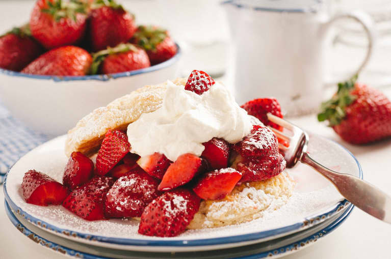 These Keto Biscuits Are The Perfect Base For Low-Carb Strawberry Shortcake