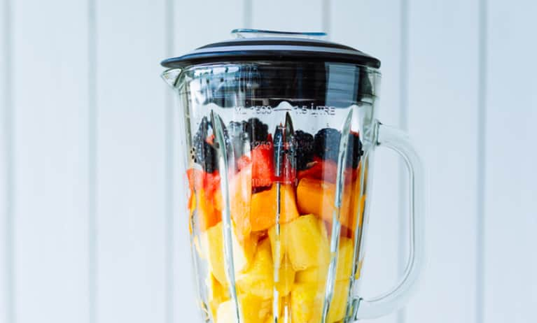 6 Secrets For Warming Winter Smoothies That Help Digestion