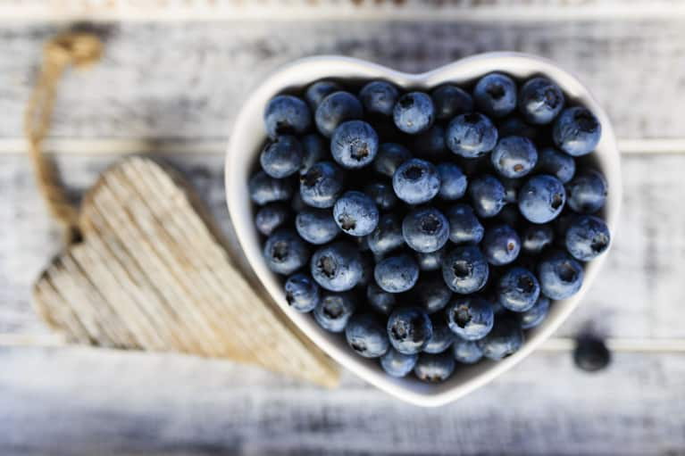 5 Reasons To Eat Blueberries Every Day (If You Aren't Already)