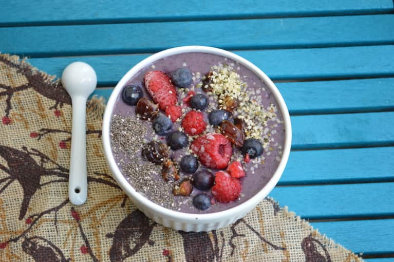 The Smoothie Bowl Basics + A Delicious Recipe To Get You Started