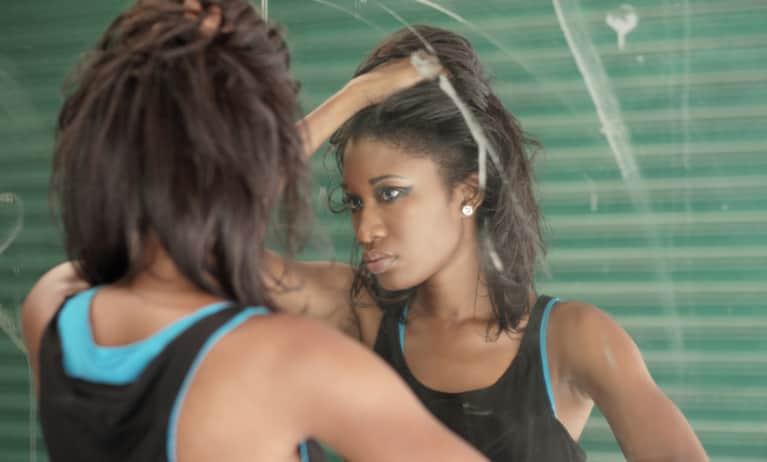 6 Signs You Could Have Body Dysmorphic Disorder