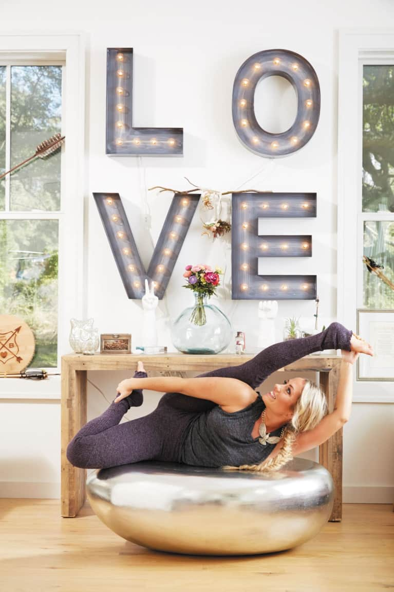 6 Steps To Create A Simple Home Yoga Practice