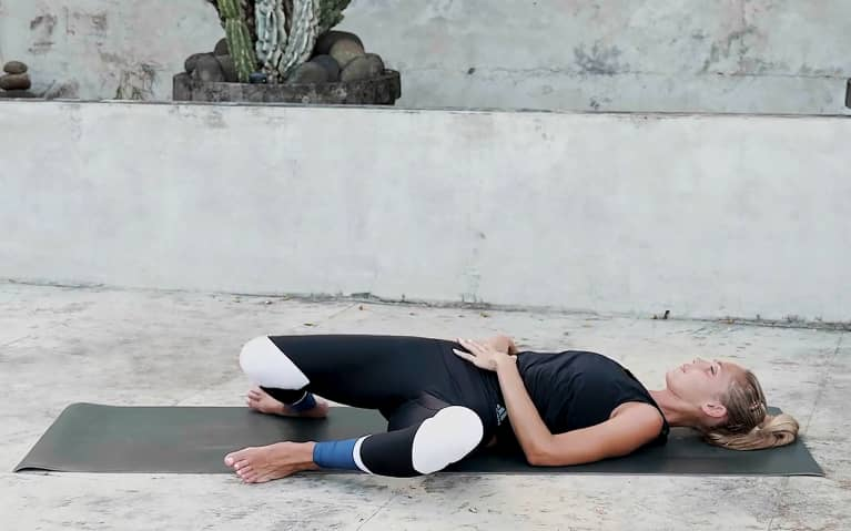 10 Minute Yoga Flow For Core Strength - Windscreen