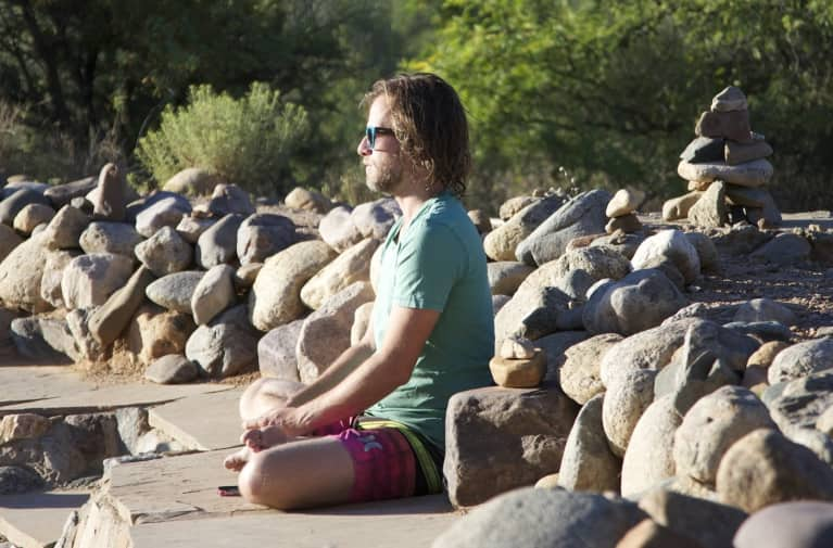 A Quick 1-Minute Meditation Trick You Can Do Anywhere