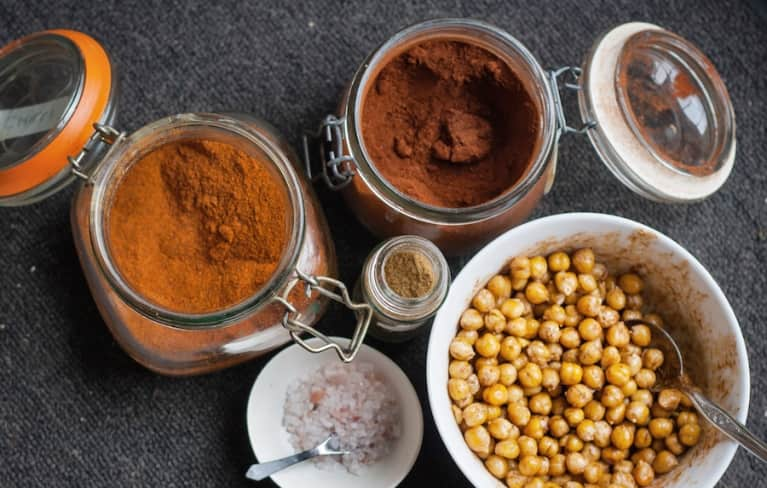 Crunchy, Spicy Chickpeas