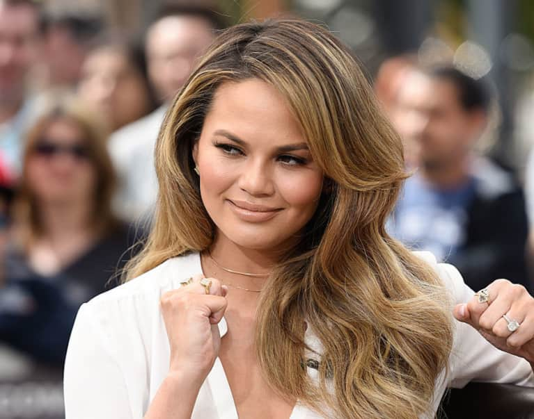 Chrissy Teigen Went Vegan For 12 Hours & Couldn't Take It Anymore