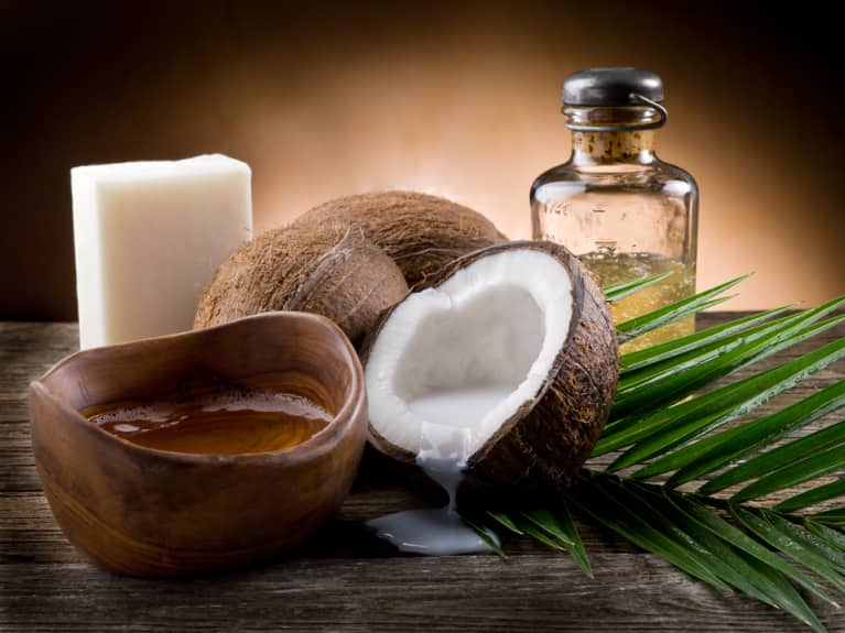 DIY: 5 Beauty Products From Coconut Oil