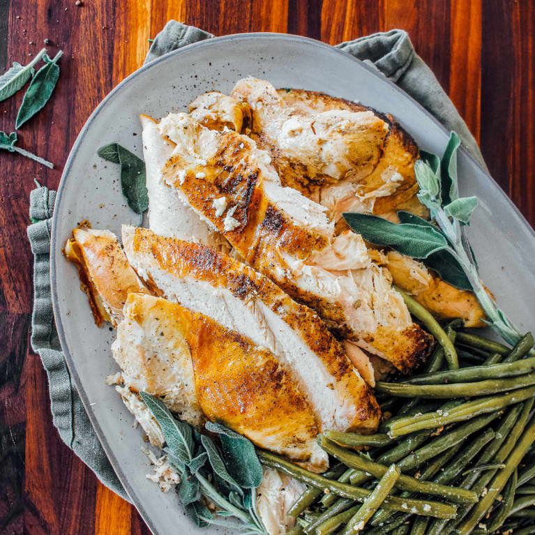 Garlic and Sage Turkey Breast with Green Beans