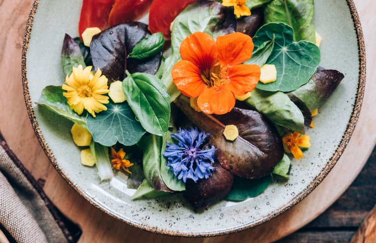 7 Edible Flowers That Belong In Your Garden (And On Your Plate)