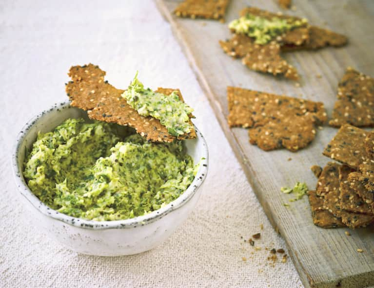 This Roasted Broccoli Dip Totally Crushes Inflammation