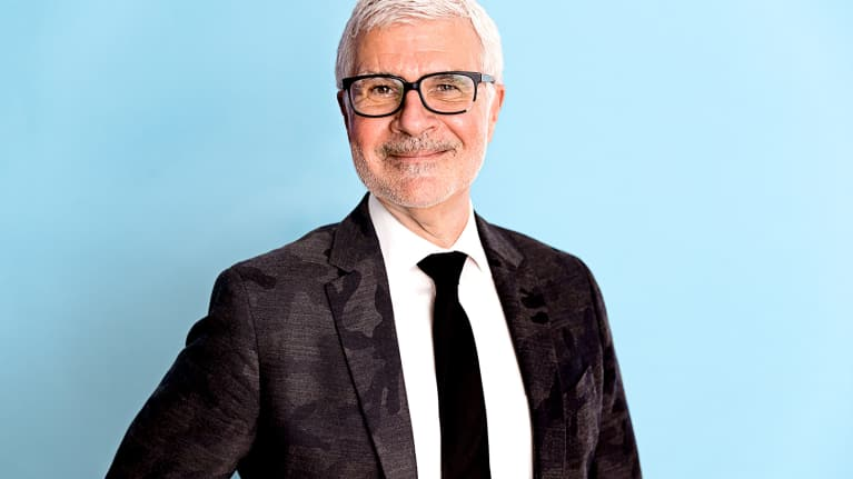 Dr. Steven Gundry On Lectins, Grains & Exactly What Type Of Alcohol You Should Be Drinking