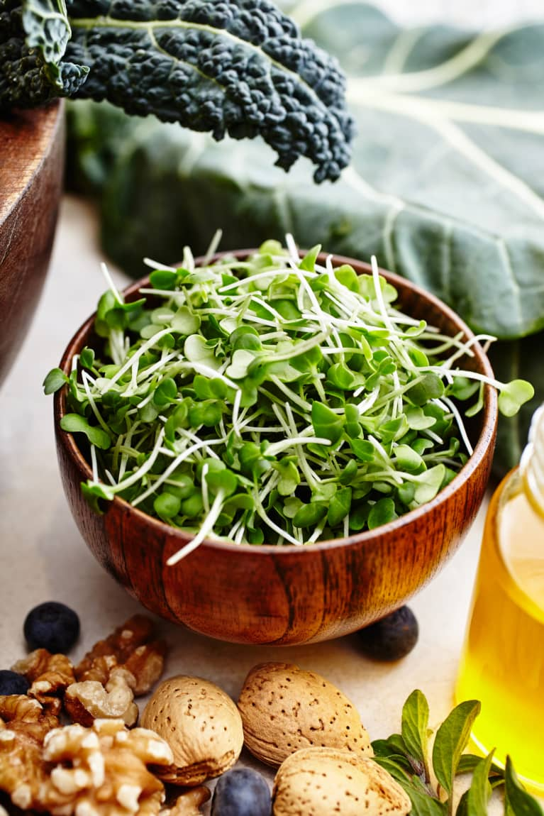 The genius way this MD sneaks broccoli sprouts into her kids' meals