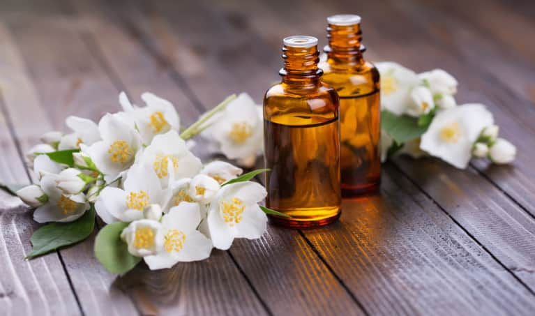 Want A Healthy, Radiant Complexion? Try These 5 Essential Oils