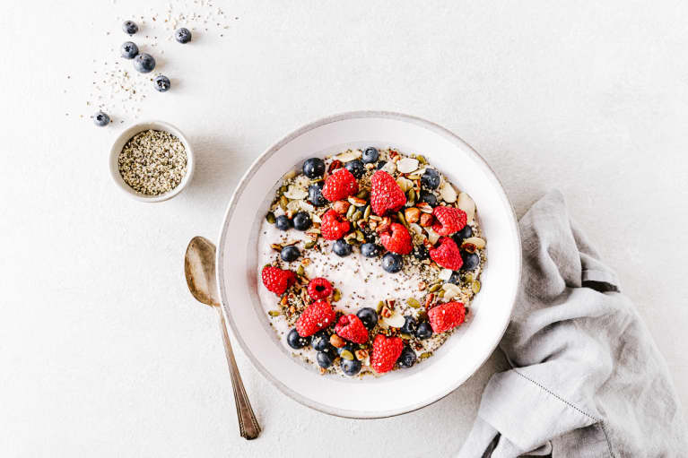 Breakfast Bowl with Yogurt, Berries, and Hemp Hearts