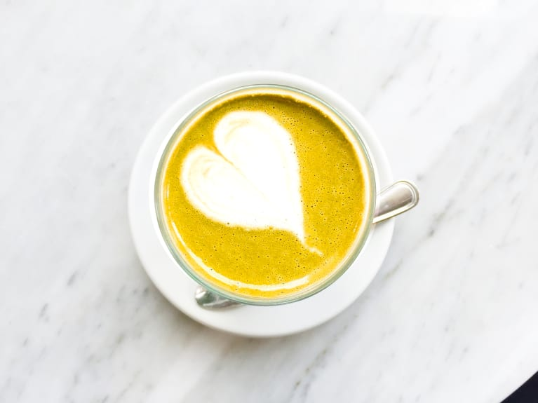 This Is The Secret To Cafe-Quality Turmeric & Bulletproof Lattes
