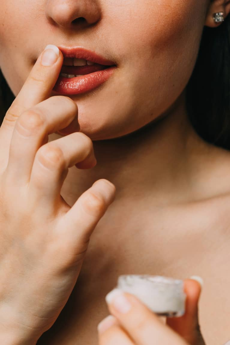 A Dermatologist's Hack To Save Your Chapped, Peeling Lips (Thanks, Winter)