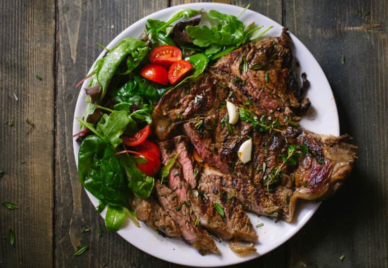 The 5 Biggest Reasons You Should Eat Grass-Fed Meat (If You Aren't Already)