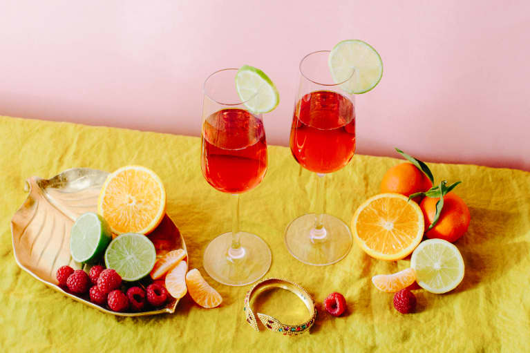 5 Healthy Cocktails & Mocktails To Say Goodbye To Summer This Weekend