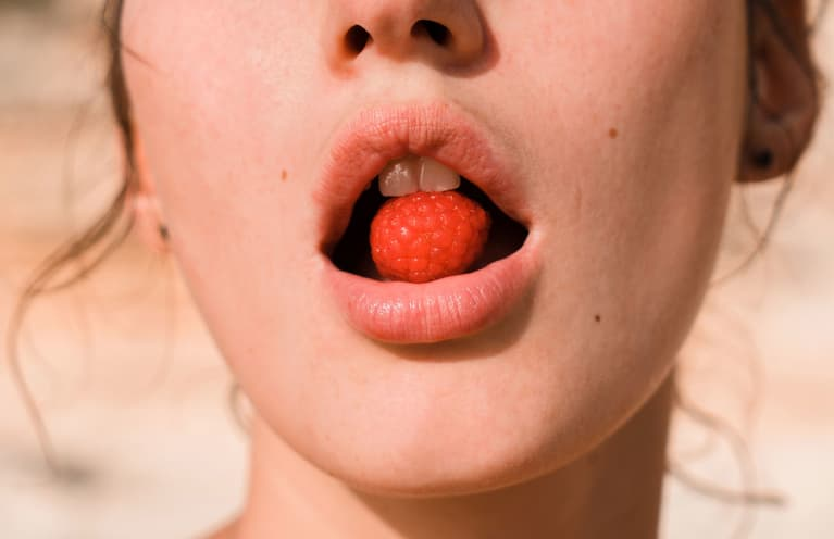 I'm A Sex Therapist & These Toys Mimic Oral Sex Pretty Darn Well
