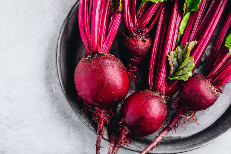 5 Health & Fitness Benefits Of Beetroot Powder, From RDs