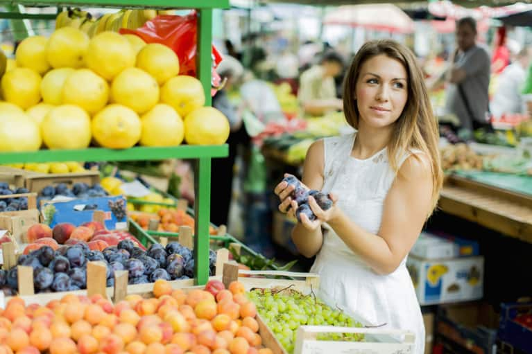 3 Ways To Shop Healthy When You're Strapped For Time