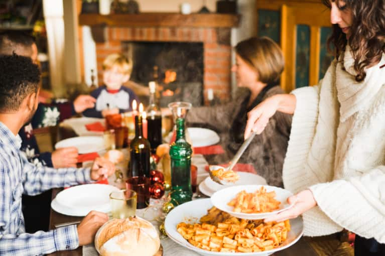 How To Follow Your Optimal Diet During The Holidays (Even If You're With Family)