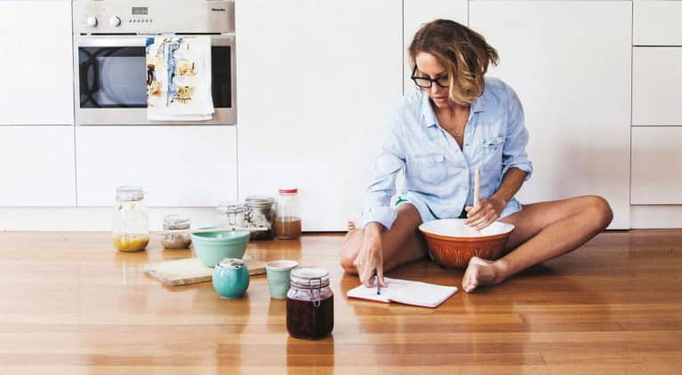5 Steps To Seamlessly Switching To A Sugar-Free Diet (With Recipe!)