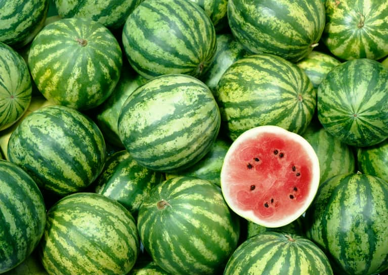 A Nutritionist's Step-By-Step Guide To Picking A Perfect Watermelon