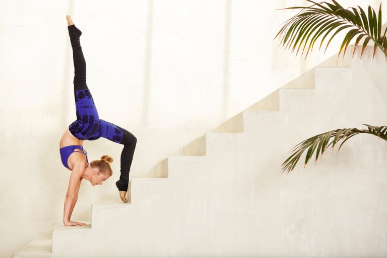 Why You Should Master The Handstand Before You Even Attempt A Headstand