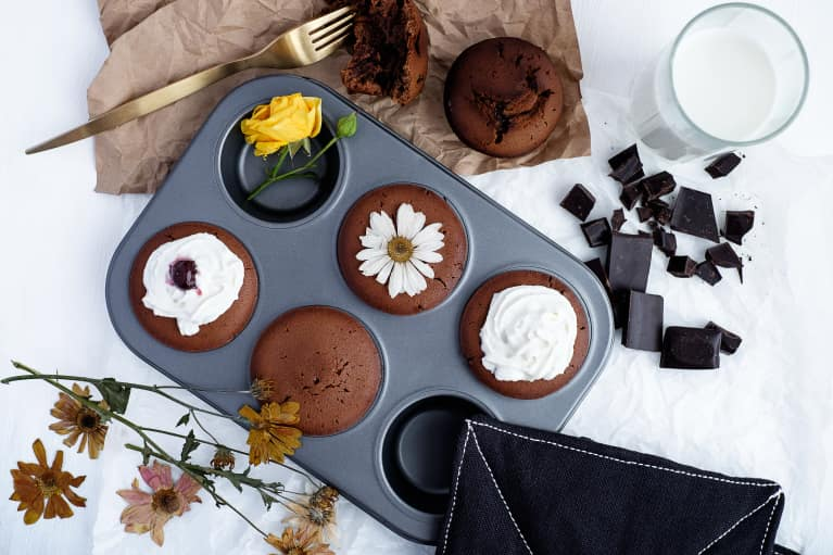 These Cinnamon + Chocolate Cupcakes Will Make All Your Paleo Friends Happy