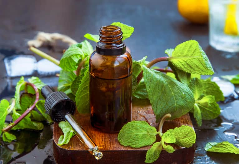 Clear Your Home's Air With These Smell-Good Essential Oils