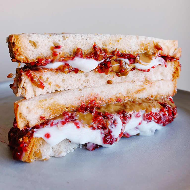 r&J Sandwich