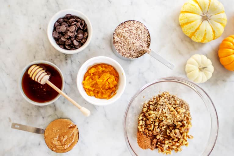 The Best Pumpkin Spice Snack Of 2018 Is Blood Sugar Balancing & Protein-Packed—And I Can't Stop Eating It